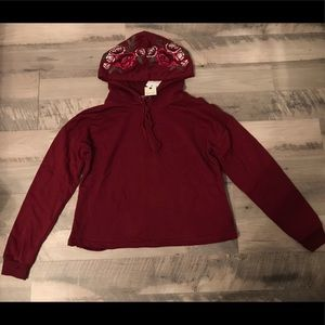 NWT❗️Rose Embroidered Cropped Hoodie